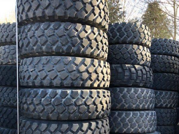 1045 - Michelin 14.00R20 XZL tyres