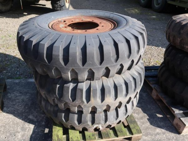 1050 - Goodyear 12.00-20 tyres (unused)